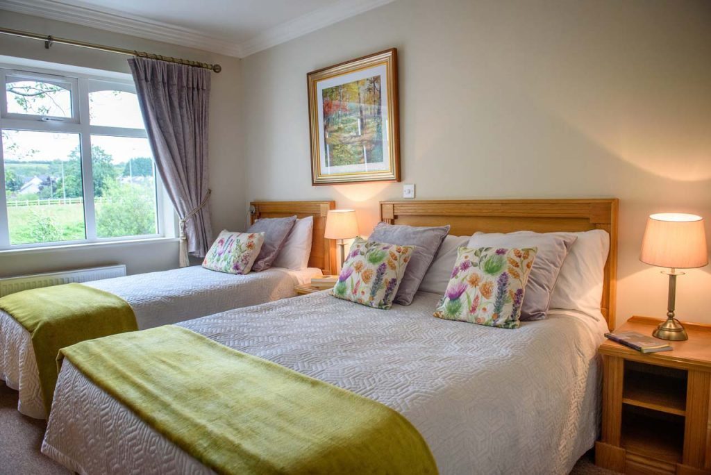 Double+&_1_single_room_accommodation_in_ballinamore